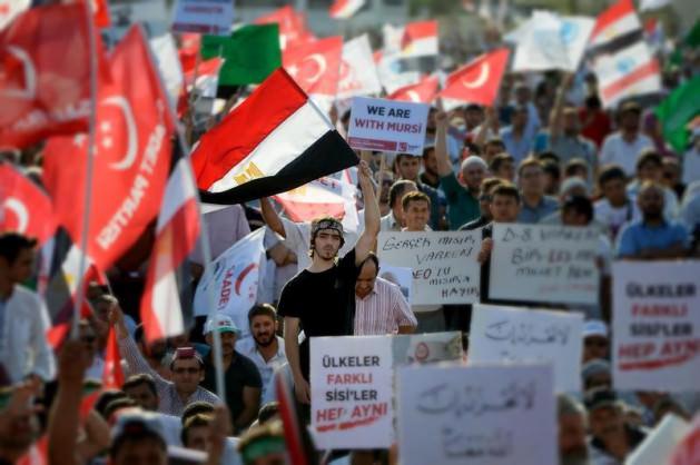 Update: La nouvelle Egypte de l´apres-révolte. - Page 38 1345433823