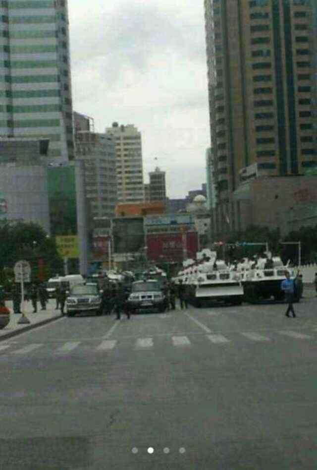 fotograf_1jpg_h336 Çin askerleri Doğu Türkistan'ı ablukaya aldı
