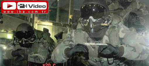 Askeri paraşütçülerden Matrix şov Video