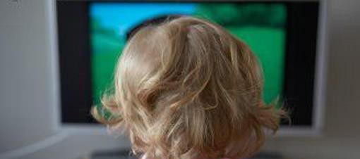 Çocuğa 2 saatten fazla televizyon zararlı