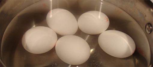 Çatlak yumurtayý da haþlamanýn yolu var