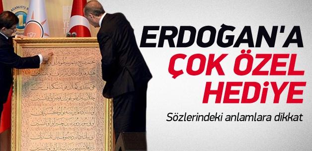 Davutoğlu'ndan Erdoğan'a çok özel tablo