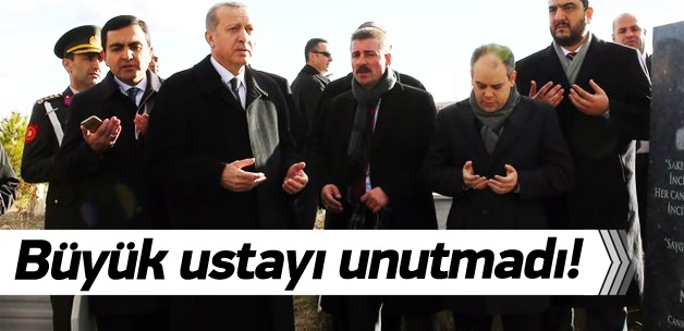 Erdoğan Neşet Ertaş'ın kabrinde dua etti