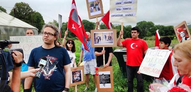 ABD'deki göstericilere 'Fethullah Gülen' şoku
