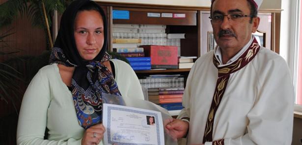 Alman turist Müslüman oldu