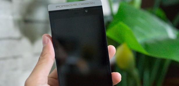 blackberry z10 porsche design gorundu13756912390 h1058959 - Ak�ll� telefonlar miyop hastal���n� tetikliyor