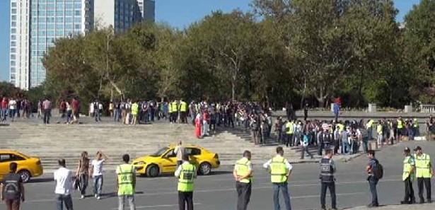 Gezi parkı kapatıldı, polis müdahale etti