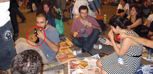 Gezi eylemcileri birayla iftar yaptı!