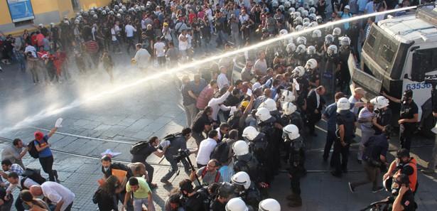 Taksim'de paladan sonra şimdi de silah sesleri!