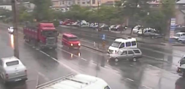 Trabzon'da ilginç MOBESE kazaları