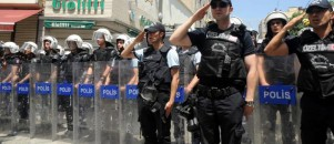 Taksim'de polis de ne yapacan bilemedi